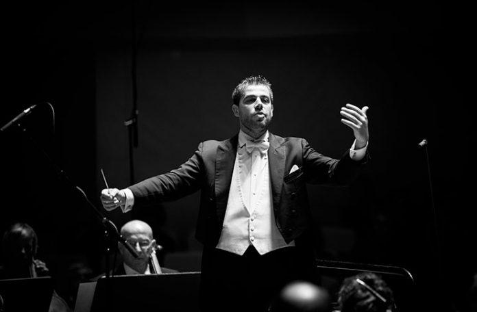 direttore d'orchestra ai vertici